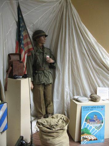 Mannequins en uniforme - Musée de Beure