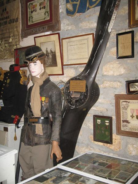 Aviateur et hélice de Spad - Musée de Beure